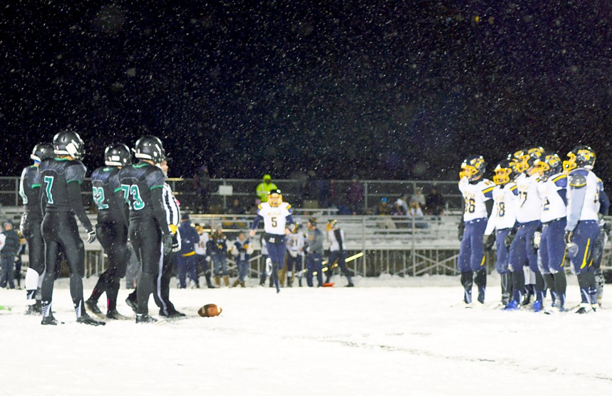 Summit and Rifle line up in the first quarter of the Tigers home closer on Nov. 6 after nearly 48 hours of straight snow, shot by @sumcosports