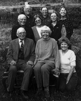 Bob and Ditty Perry with their children, back to front and from left: Will, Nancy, Ruth, Robert Jr., Rosamond, Marjorie and Charlotte.