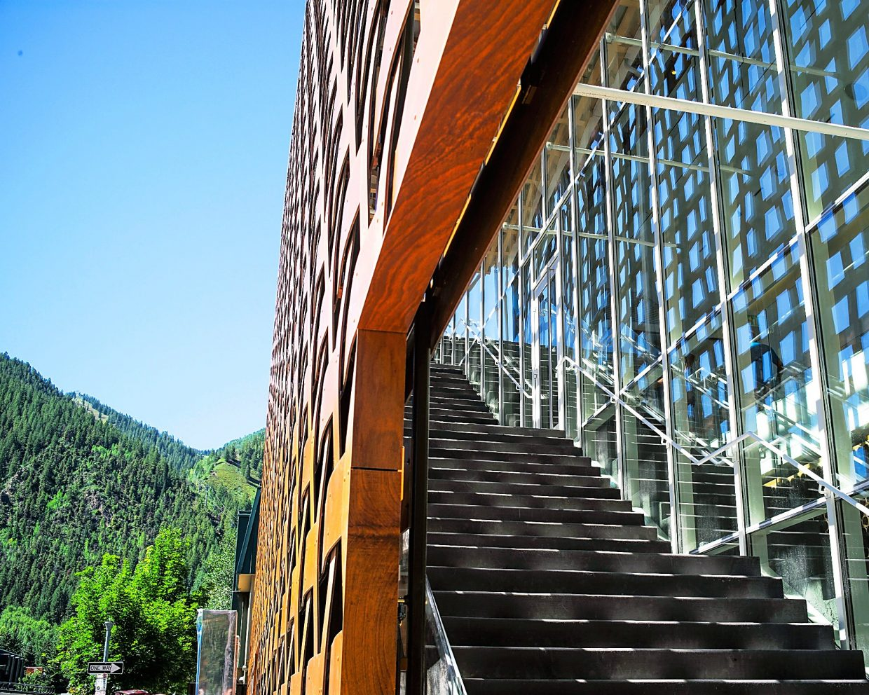 One of the newest and most noteworthy things to know about Aspen is that is has a brand new art museum, and it's hard to miss.
