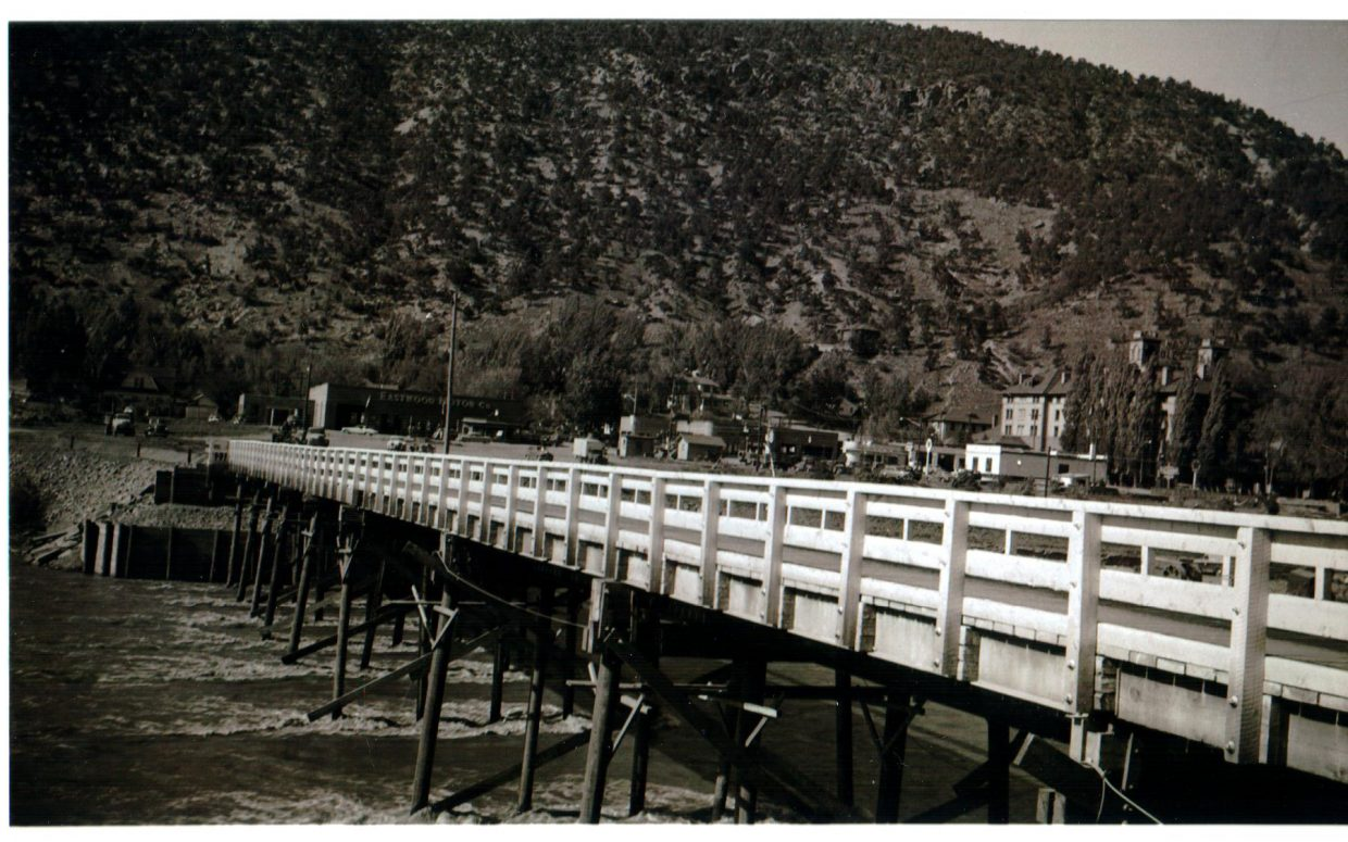 The temporary Pitkin Avenue bridge that was used while the current Grand Avenue bridge was being constructed in 1953.