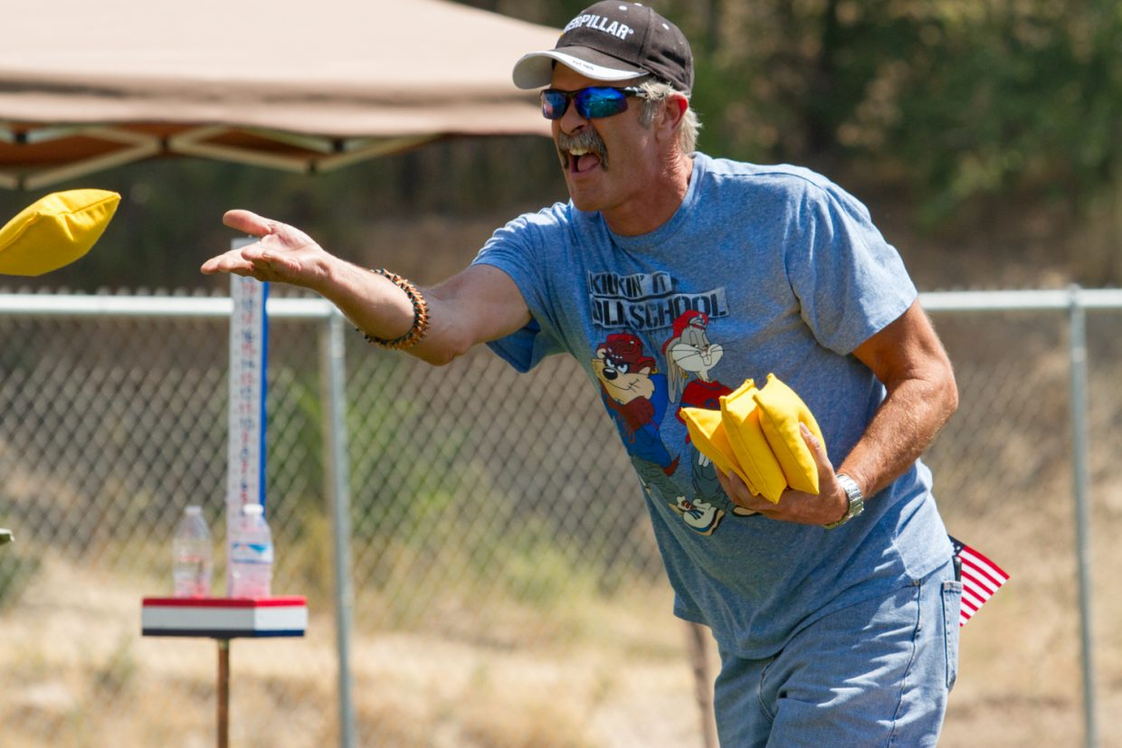 The heat didn't detore the competors during the cornhole competition which kicked off at 11 a.m. on Saurday.