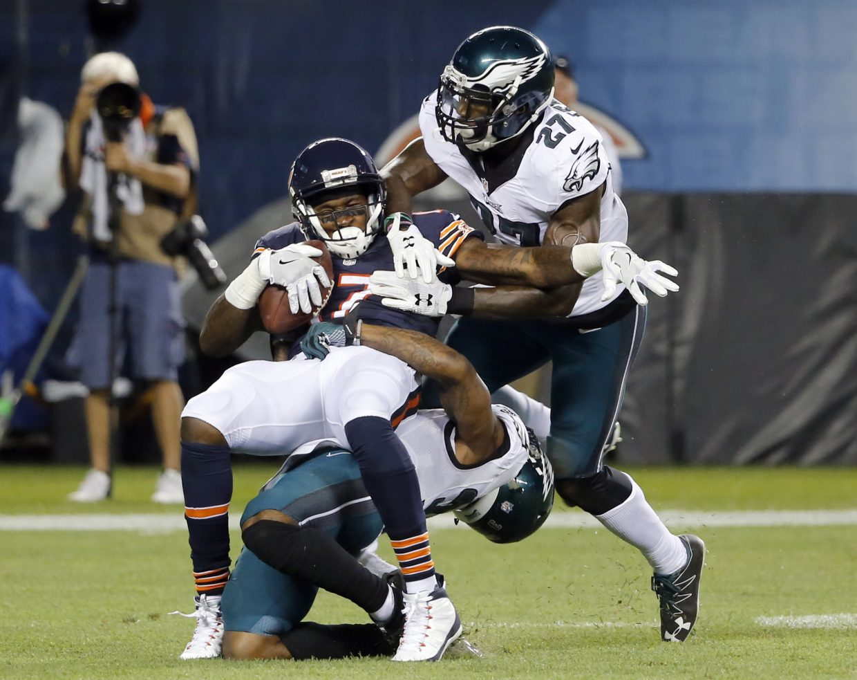 Chicago Bears wide receiver Alshon Jeffery (17) makes a catch against Philadelphia Eagles free safety Jalen Mills (31) and strong safety Malcolm Jenkins (27) during the first half of an NFL football game, Monday, Sept. 19, 2016, in Chicago. (AP Photo/Charles Rex Arbogast)