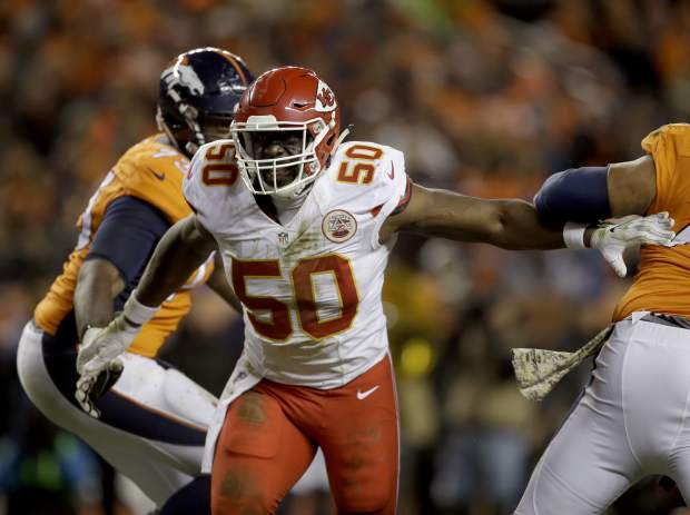 Kansas City Chiefs outside linebacker Justin Houston (50) lines up against the Denver Broncos during the first half of an NFL football game, Sunday, Nov. 27, 2016, in Denver. (AP Photo/Joe Mahoney)