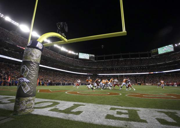 The Denver Broncos and the Kansas City Chiefs compete during the second half of an NFL football game, Sunday, Nov. 27, 2016, in Denver. (AP Photo/Joe Mahoney)