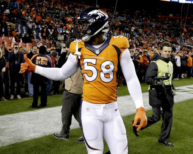 Denver Broncos outside linebacker Von Miller (58) takes the field prior to an NFL football game against the Kansas City Chiefs, Sunday, Nov. 27, 2016, in Denver. (AP Photo/Jack Dempsey)