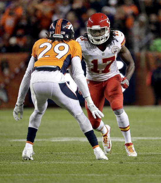 Denver Broncos cornerback Bradley Roby (29) lines up against Kansas City Chiefs wide receiver Chris Conley (17) during the first half of an NFL football game, Sunday, Nov. 27, 2016, in Denver. (AP Photo/Jack Dempsey)