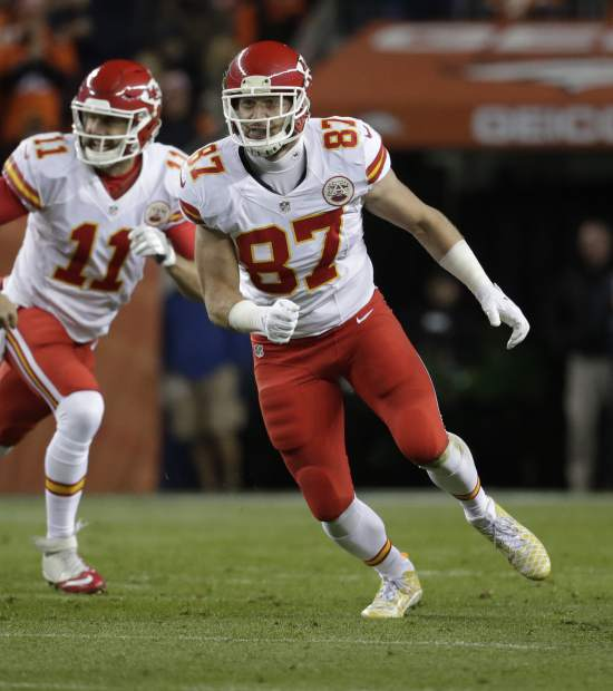 Kansas City Chiefs tight end Travis Kelce (87) runs against the Denver Broncos during the first half of an NFL football game, Sunday, Nov. 27, 2016, in Denver. (AP Photo/Jack Dempsey)