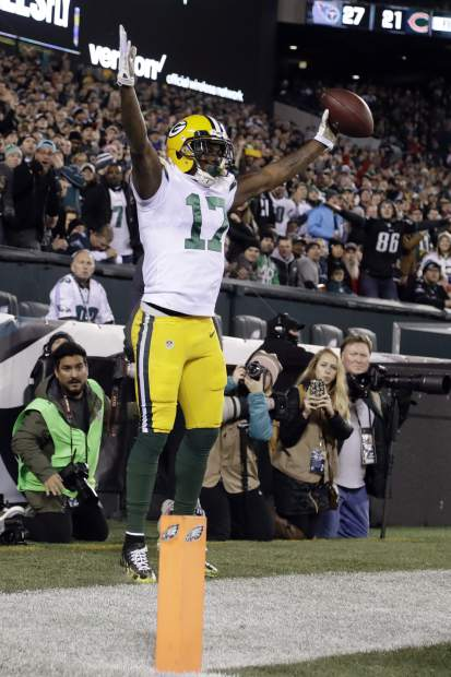 Green Bay Packers' Davante Adams reacts after scoring a touchdown during the first half of an NFL football game against the Philadelphia Eagles, Monday, Nov. 28, 2016, in Philadelphia. (AP Photo/Matt Rourke)