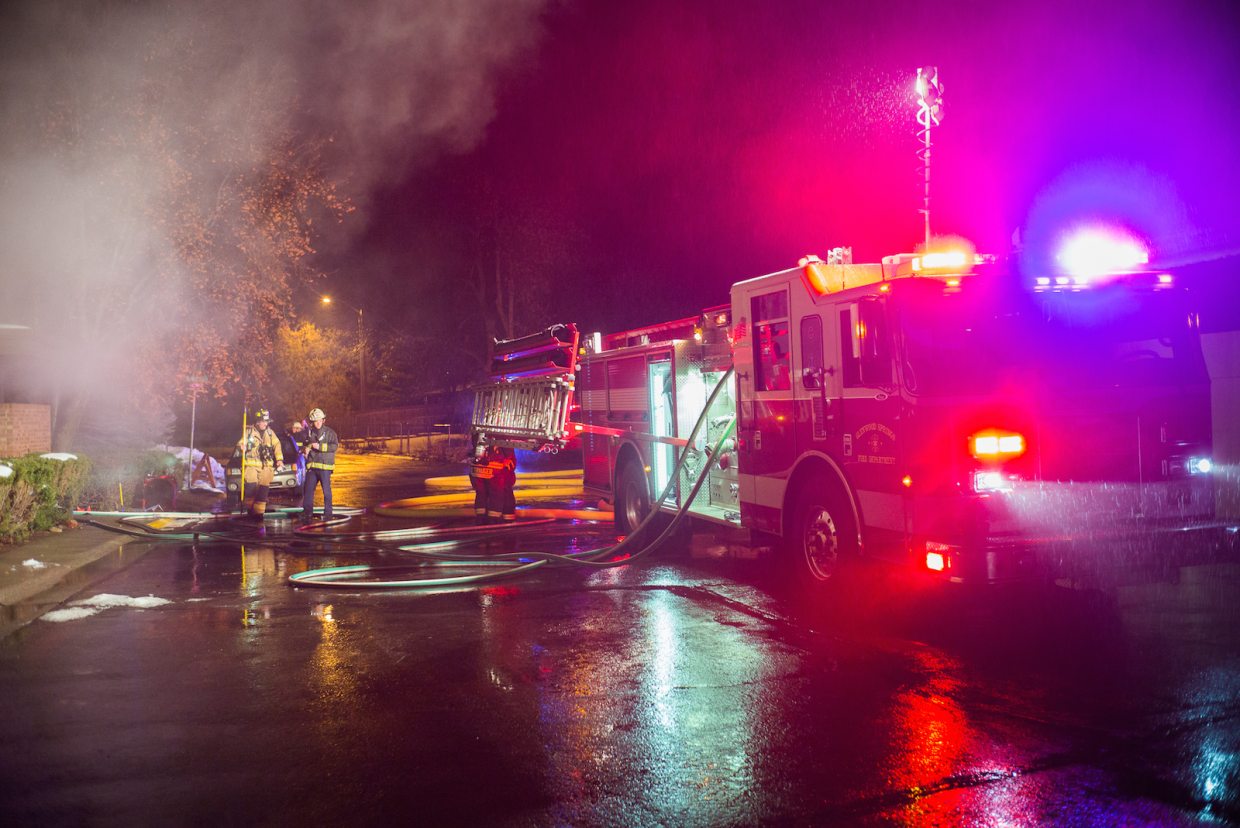 An apartment'€™s kitchen caught fire on Thursday night at 2423 Meadowlark Lane, located next to Rivers Restaurant. Authorities described the damage as minor.