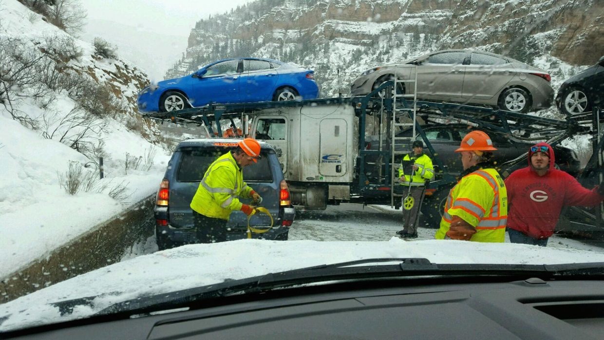 Snow, accidents wreak havoc along I-70 | PostIndependent com