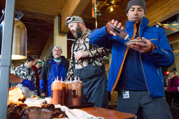 Participants try samples from different area restaurants during the 2017 Taste of Sunlight at Ski Spree.