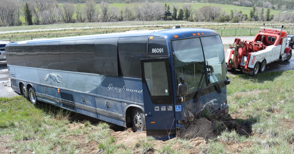 Greyhound bus involved in Eagle County crash ...