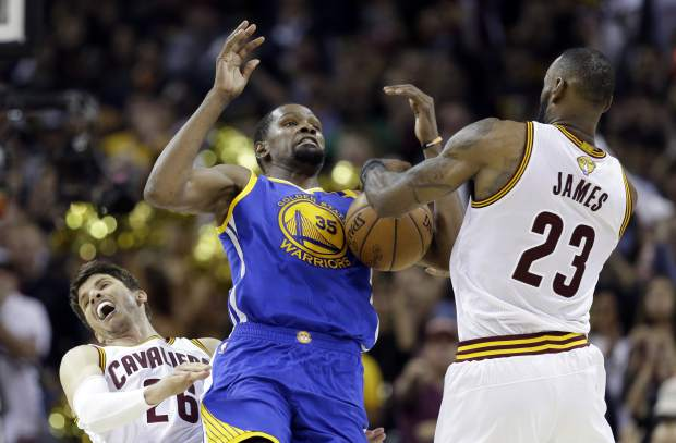 Warriors near sweep of Cavs