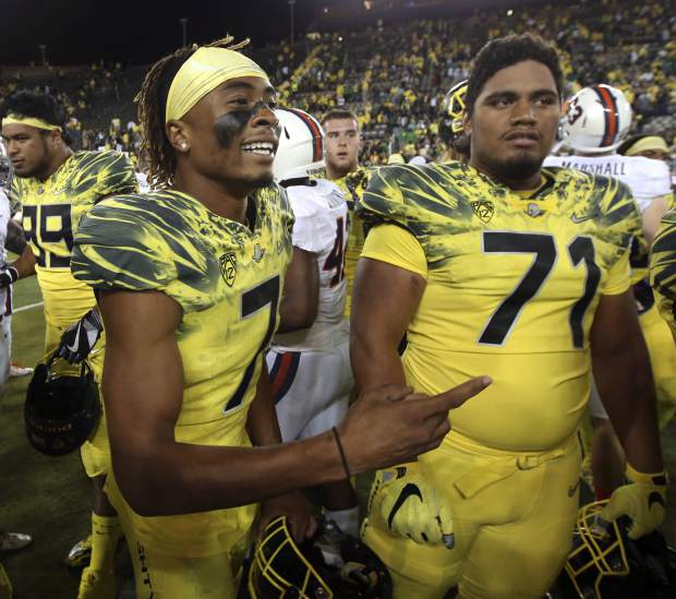 Ducks players back decision to dismiss WR Darren Carrington