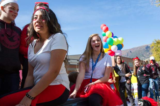 Glenwood Springs High School students make their way down Pitkin Avenue for the 2017 homecoming parade on Friday afternoon.