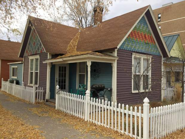Glenwood springs extends vacation rental authorization to for Cabins for rent near glenwood springs