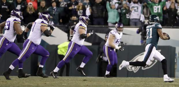 Philadelphia Eagles' Patrick Robinson runs back an interception for a touchdown during the first half of the NFL football NFC championship game against the Minnesota Vikings Sunday, Jan. 21, 2018, in Philadelphia. (AP Photo/Matt Slocum)
