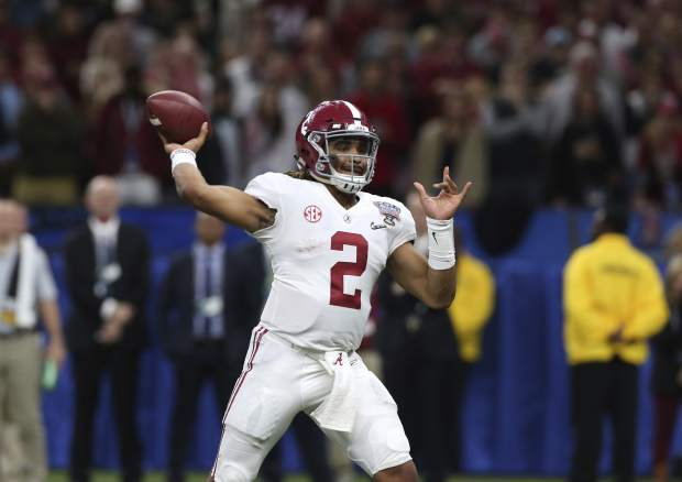 Alabama quarterback Jalen Hurts (2)passes in the second half of the Sugar Bowl semi-final playoff game against Clemson for the NCAA college football national championship, in New Orleans, Monday, Jan. 1, 2018. (AP Photo/Rusty Costanza)