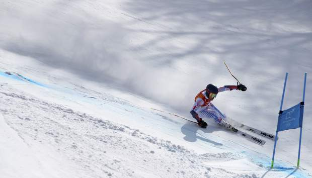 United States' Ted Ligety skis the second run of the men's giant slalom at the 2018 Winter Olympics in Pyeongchang, South Korea, Sunday, Feb. 18, 2018. (AP Photo/Alessandro Trovati)