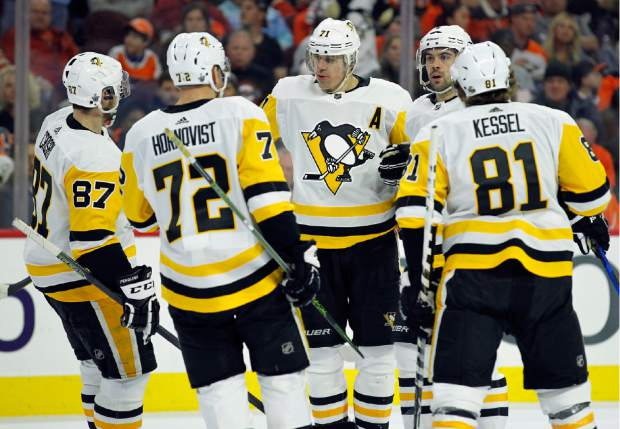 cheap for discount 8d73d 8fd7e Crosby scores goal, leads Penguins to 5-1 Game 3 over Flyers ...