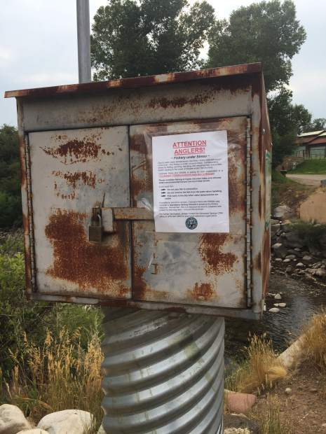 This note to anglers from Colorado Parks and Wildlife is posted on the river gage near the state fish hatchery. Because of low flows and warm temperatures on the lower Crystal, anglers are asked to not fish between 2 p.m. and midnight.