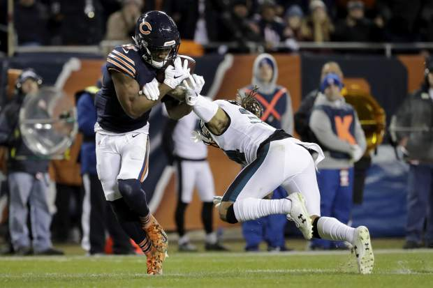 Philadelphia Eagles cornerback Cre'von LeBlanc, right, breaks up a pass intended for Chicago Bears wide receiver Anthony Miller (17) during the first half of an NFL wild-card playoff football game Sunday, Jan. 6, 2019, in Chicago. (AP Photo/Nam Y. Huh)