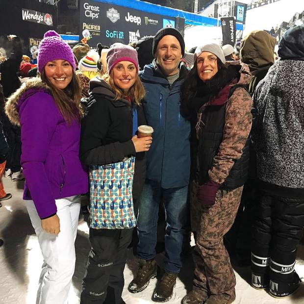 @colorado_angela - Hangin' with friends at the base of Buttermilk #xgames #postsnaps