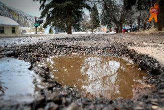 Dueling street tax campaigns hit the pavement in Glenwood Springs