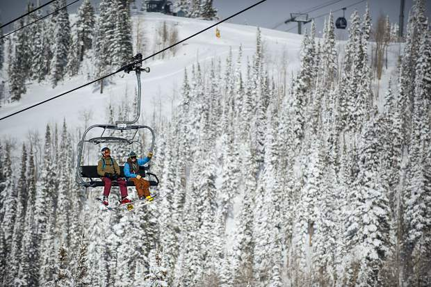 Aspen Skiing Co. extends operating hours of some chairlifts starting Saturday