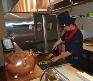 Teppanyaki, not hibachi — new Carbondale eatery a taste of Asian cuisine