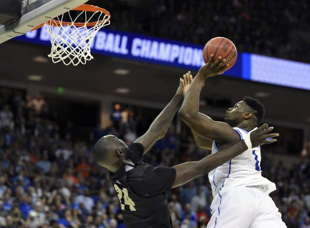 Duke survives UCF's late misses, reaches Sweet 16