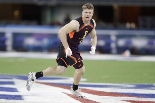 Washington linebacker Ben Burr-Kirven runs a drill during the NFL football scouting combine, Sunday, March 3, 2019, in Indianapolis. (AP Photo/Darron Cummings)