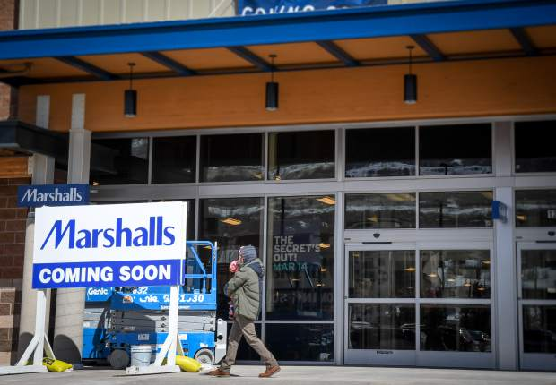 Marshalls store prepares for Glenwood Meadows opening