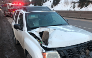 Rockslide on I-70 WB near Vail damages cars