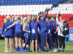 United States face Chile with chance to advance in World Cup