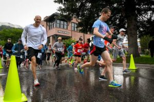 Glenwood's Gavin Harden wins Strawberry Shortcut 10K; Kate Phillips top female in 10K