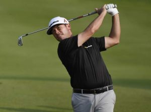 Chez Reavie shoots 63, takes a 6-stroke lead at Travelers