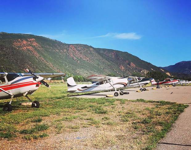 @gwsairport: The International Cessna 180/185 Convention flew into the Glenwood Springs Airport for a pancake breakfast recently. #postsnaps